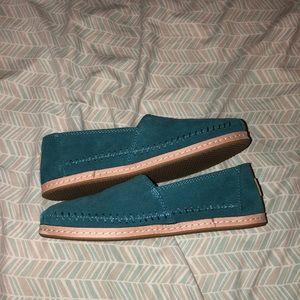 NWOT Toms Shoes!
